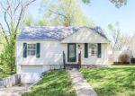 Foreclosed Home en NE 43RD TER, Kansas City, MO - 64116