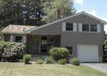 Foreclosed Home en HOLMES DR, Windsor, CT - 06095