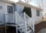 Foreclosed Home en FRANKLIN AVE, Essex, MD - 21221