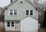 Foreclosed Home en E 9TH ST, Huntington Station, NY - 11746