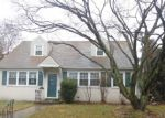 Foreclosed Home en N NORWINDEN DR, Springfield, PA - 19064