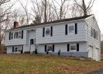 Foreclosed Home en EAST DR, Danbury, CT - 06810