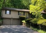 Foreclosed Home en PEMBROKE RD, Hamden, CT - 06514