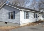 Foreclosed Home en SWAN AVE, Norwich, CT - 06360