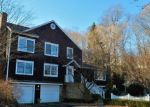 Foreclosed Home en BOOTH HILL RD, Trumbull, CT - 06611