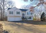 Foreclosed Home en COUNSELOR DR, Naugatuck, CT - 06770