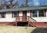 Foreclosed Home en STAGE COACH HILLS RD, Palmyra, VA - 22963