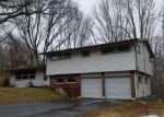 Foreclosed Home en OLD TAVERN RD, Norwich, CT - 06360
