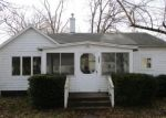 Foreclosed Home en TUTHILL ST, Dowagiac, MI - 49047