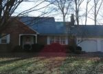 Foreclosed Home en WOOD POND RD, South Windsor, CT - 06074
