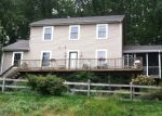 Foreclosed Home en FARRELL RD, Newtown, CT - 06470