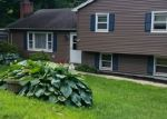 Foreclosed Home en RUGBY RD, Shelton, CT - 06484