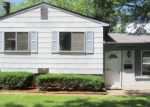 Foreclosed Home en GREENVIEW ST, Romulus, MI - 48174