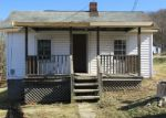 Foreclosed Home en PATTERSON AVE, Pulaski, VA - 24301