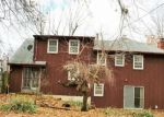 Foreclosed Home en SW 19TH ST, Blue Springs, MO - 64015