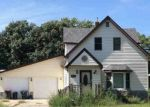 Foreclosed Home en S MAIN ST, Winthrop, MN - 55396