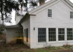 Foreclosed Home en SQUIRE HILL RD, New Milford, CT - 06776