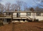 Foreclosed Home en LAKESHORE DR, Quinton, VA - 23141