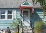 Foreclosed Home en VISTA DR, East Haven, CT - 06512