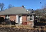 Foreclosed Home en PEARL HARBOR PL, Bridgeport, CT - 06610