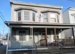 Foreclosed Home en NORTH ST, Millersburg, PA - 17061
