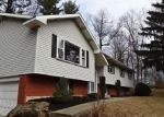 Foreclosed Home en TIMBERLANE DR, Easton, PA - 18045