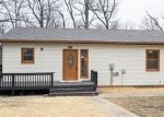 Foreclosed Home en THOUSAND ACRES RD, Montreal, MO - 65591