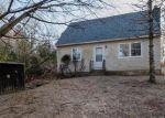 Foreclosed Home en SALT ROCK RD, Baltic, CT - 06330