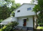 Foreclosed Home en N DEWEY AVE, Scranton, PA - 18504