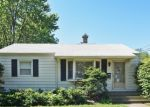 Foreclosed Home en 9TH PKWY, Waukegan, IL - 60085