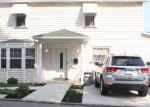 Foreclosed Home en HILLCREST AVE, Burgettstown, PA - 15021