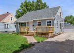 Foreclosed Home en S JOHN ST, Neenah, WI - 54956