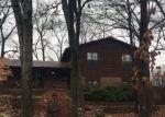 Foreclosed Home en LA BARON LN, Saint Charles, MO - 63303
