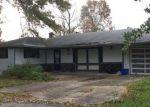 Foreclosed Home en E 58TH ST, Kansas City, MO - 64129