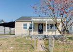 Foreclosed Home en CHANDELLE RD, Middle River, MD - 21220