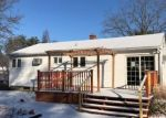 Foreclosed Home en FARNHAM RD, South Windsor, CT - 06074