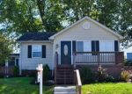 Foreclosed Home en RIGHT WING DR, Middle River, MD - 21220