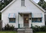 Foreclosed Home en S 5TH PL, Milwaukee, WI - 53207