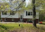 Foreclosed Home en LAKE FOREST DR, Dingmans Ferry, PA - 18328