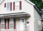 Foreclosed Home en MATHEWSON ST, Jewett City, CT - 06351