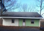Foreclosed Home en GILBERTSVILLE RD, Gilbertsville, PA - 19525
