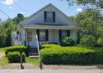 Foreclosed Home en QUARRY ST, Willimantic, CT - 06226