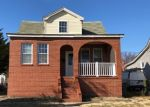 Foreclosed Home en GARY AVE, Dundalk, MD - 21222