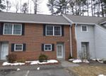 Foreclosed Home en TOMLINSON AVE, Plainville, CT - 06062