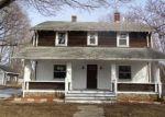Foreclosed Home en ELM ST, Monroe, CT - 06468