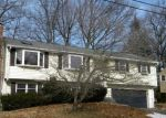 Foreclosed Home en STONECREST DR, Bristol, CT - 06010