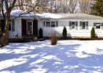 Foreclosed Home en APPLEWOOD RD, Branford, CT - 06405