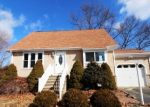 Foreclosed Home en GOLDFINCH LN, Naugatuck, CT - 06770