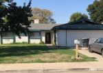 Foreclosed Home en S SIMON ST, Visalia, CA - 93292
