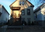 Foreclosed Home en S 11TH ST, Milwaukee, WI - 53215